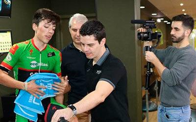 Manu Cordero prueba la Skill Bike en El Perú Wellness Center