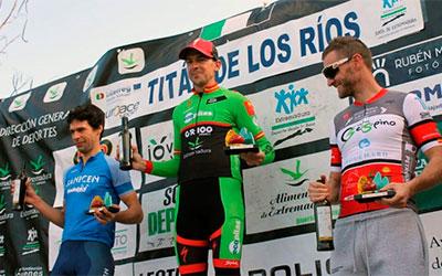 Díaz de la Peña y Desi Castro (Extremadura-Ecopilas) ganan la Titán de los Ríos y siguen escalando puestos en el Open de Extremadura XCM